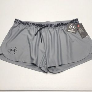 🆕 UNDER ARMOUR Women's Gray FREEDOM Shorts